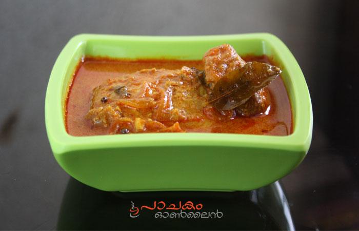 Fish curry - Thenga arachathu